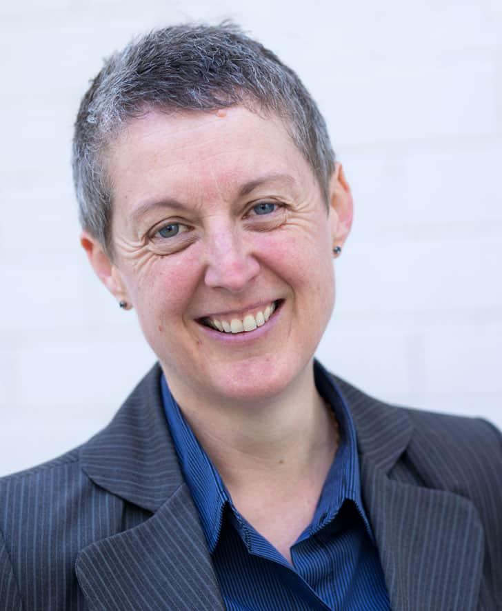 Dr Rachel Hall